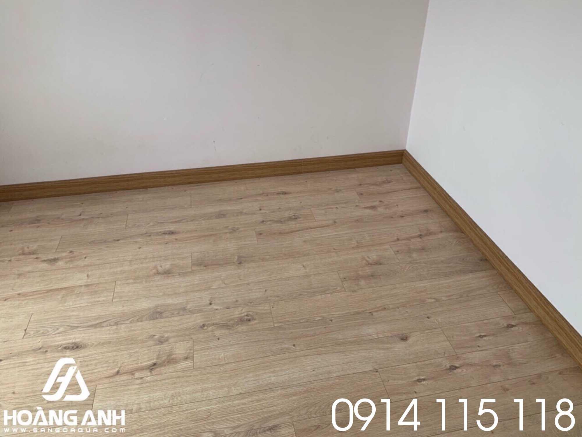 Lắp đặt sàn gỗ Egger 10mm EPL074