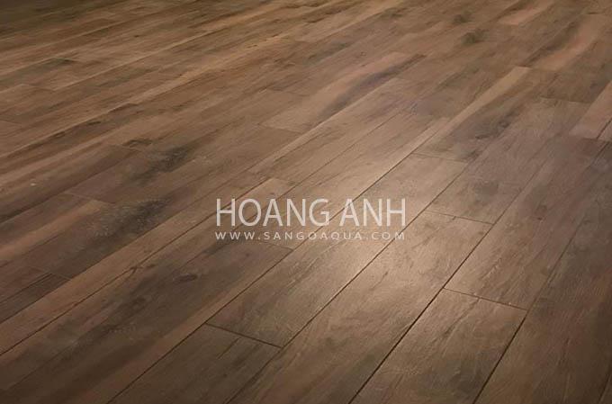 Bề mặt sàn gỗ Óc Chó